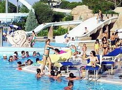 Увеличилось число российских граждан на курортах Турции